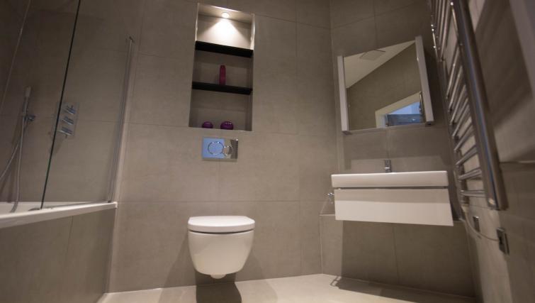 Bathroom at Verona Apartments - Citybase Apartments