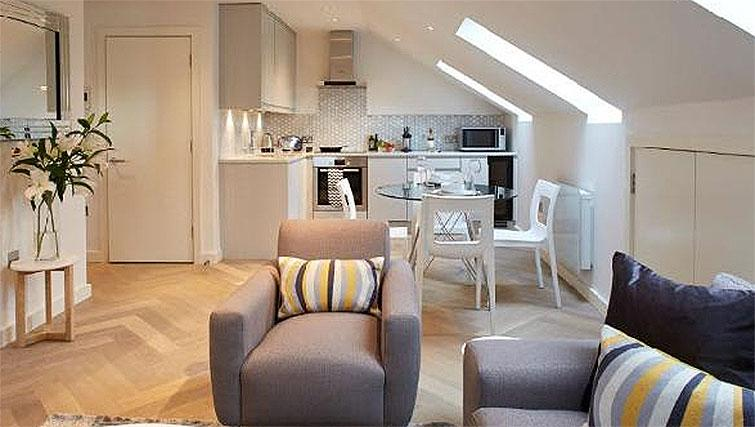 Modern living area at Oakwood Fitzrovia - Citybase Apartments