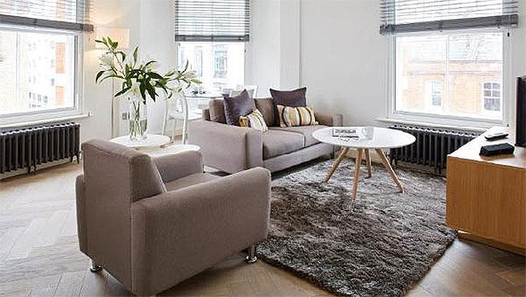 Living area at Oakwood Fitzrovia - Citybase Apartments