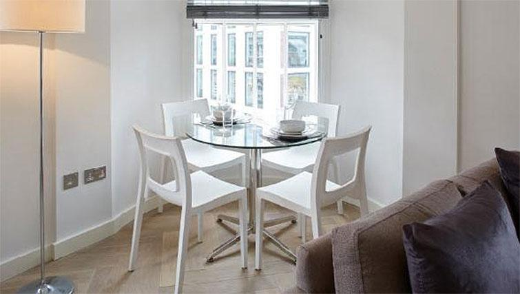 Dining area at Oakwood Fitzrovia - Citybase Apartments