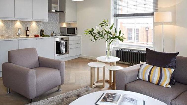 Open plan living area at Oakwood Fitzrovia - Citybase Apartments