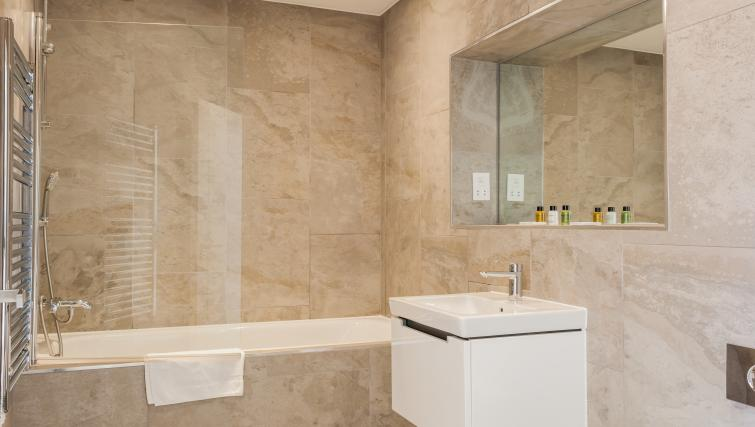 Stylish bathroom at Bury Fields House Apartments - Citybase Apartments