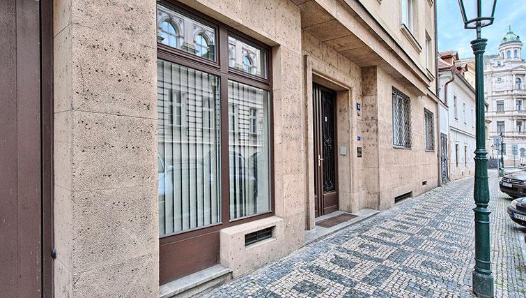 Entrance at Konvikt Apartment - Citybase Apartments