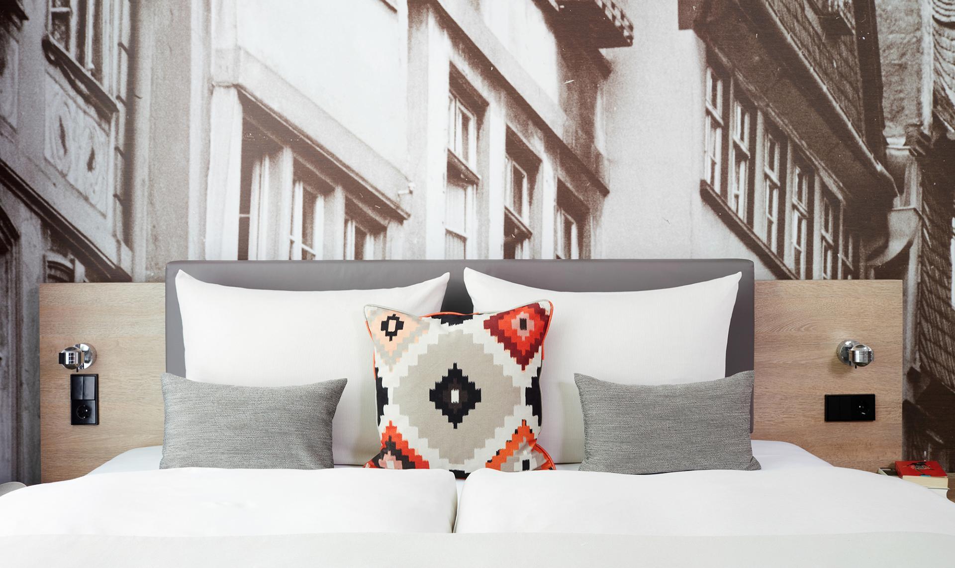 Cushions at Living Hotel Frankfurt, Sachsenhausen, Frankfurt - Citybase Apartments