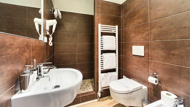 Shower room at Art Residence Krocinova - Citybase Apartments