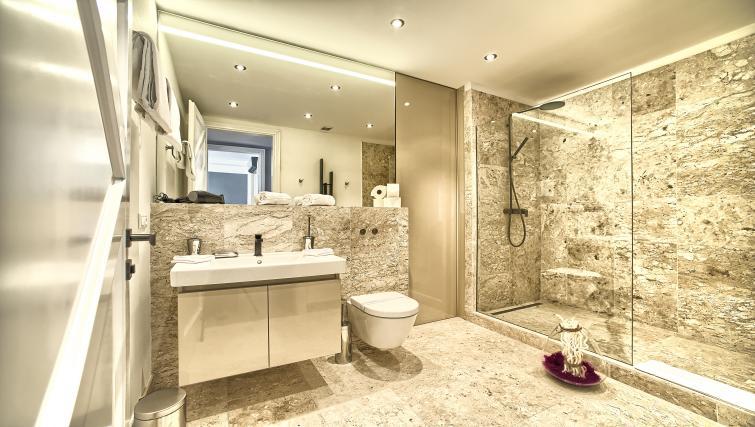 Shower at Art Residence Krocinova - Citybase Apartments