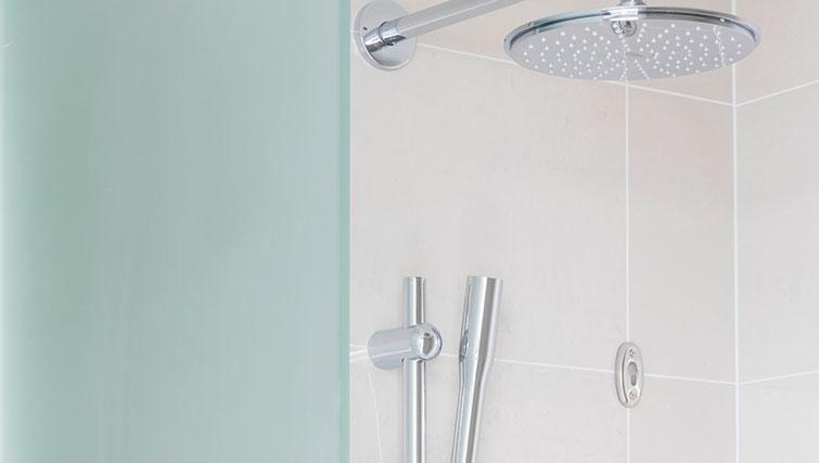 Bathroom at SACO Leman Locke - Aldgate - Citybase Apartments