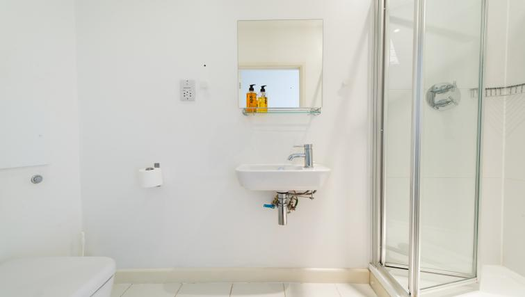 Bathroom at the Piccadilly Circus Apartments - Citybase Apartments