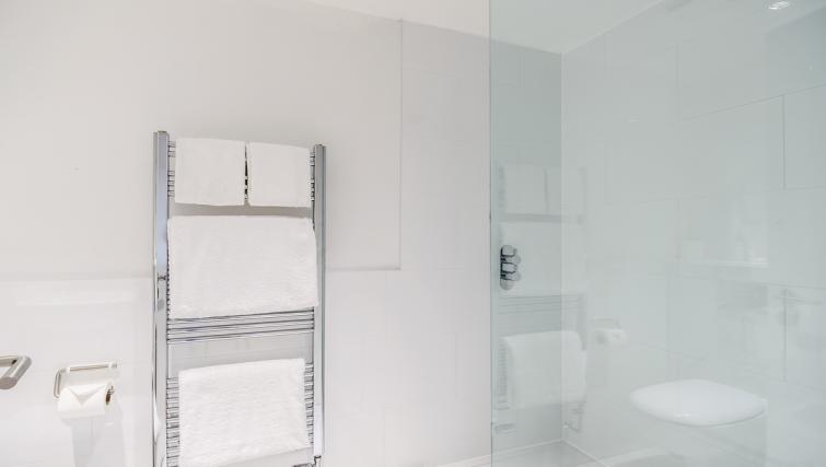 Bathroom at Native Fulham Apartments - Citybase Apartments