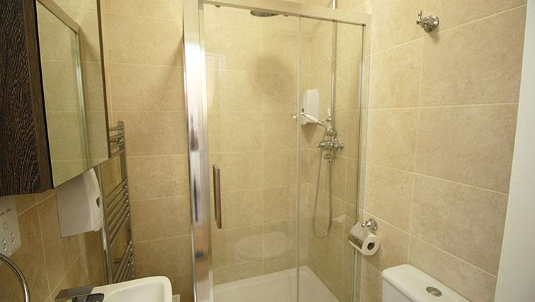 Bathroom at Wellesley Apartments - Citybase Apartments