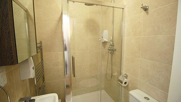 Bathroom at Wellesley Apartments - Citybase Apartments