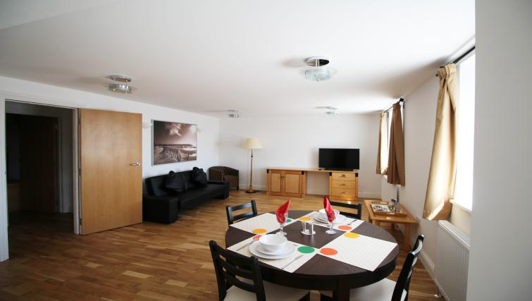 Dining space at Wellesley Apartments - Citybase Apartments