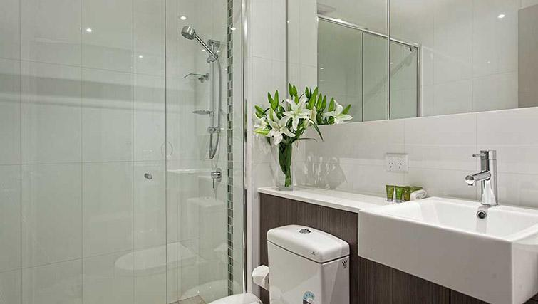 Shower room at Mantra Midtown Brisbane Apartments - Citybase Apartments