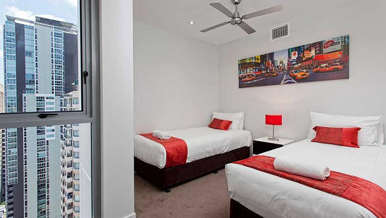 Twin beds at Mantra Midtown Brisbane Apartments - Citybase Apartments