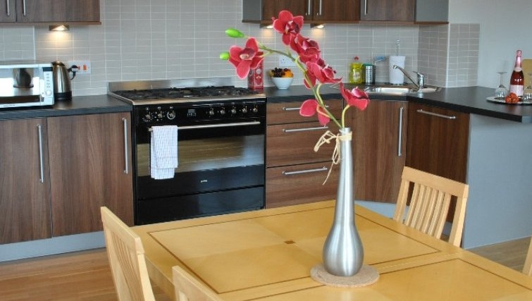Modern kitchen in West Tollcross Apartments - Citybase Apartments