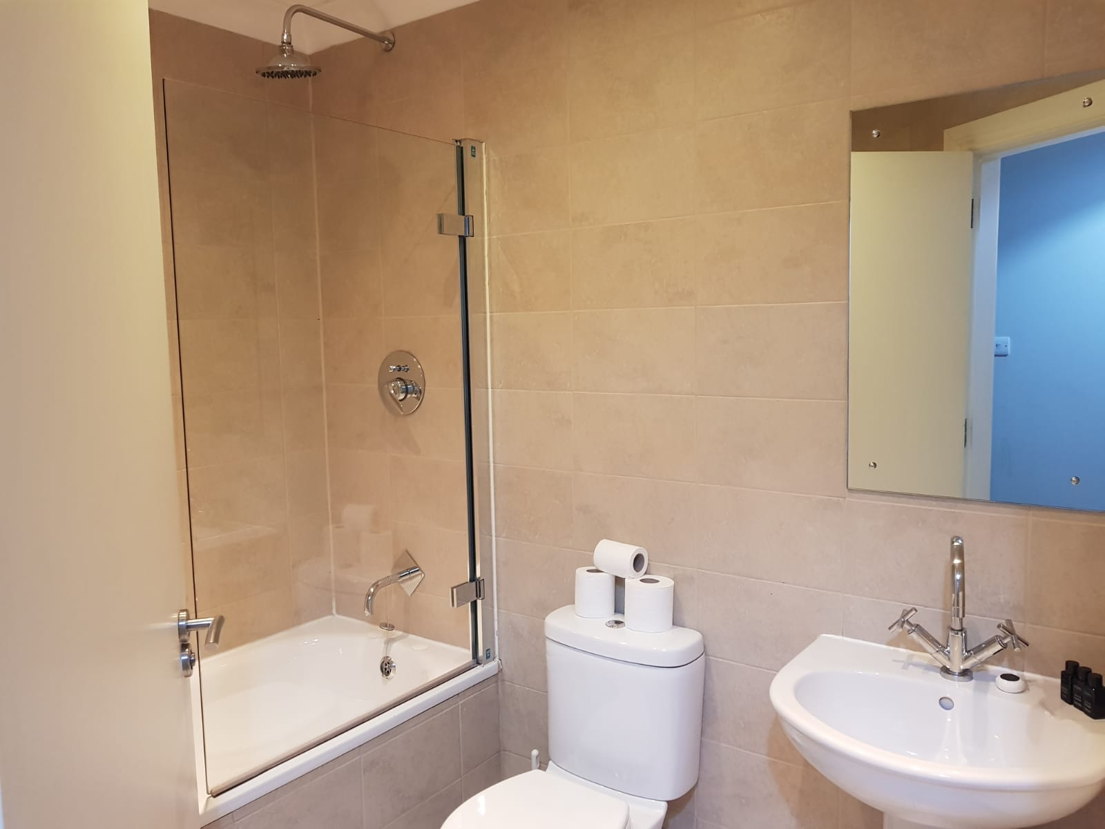 Bathroom at West Tollcross Apartments - Citybase Apartments