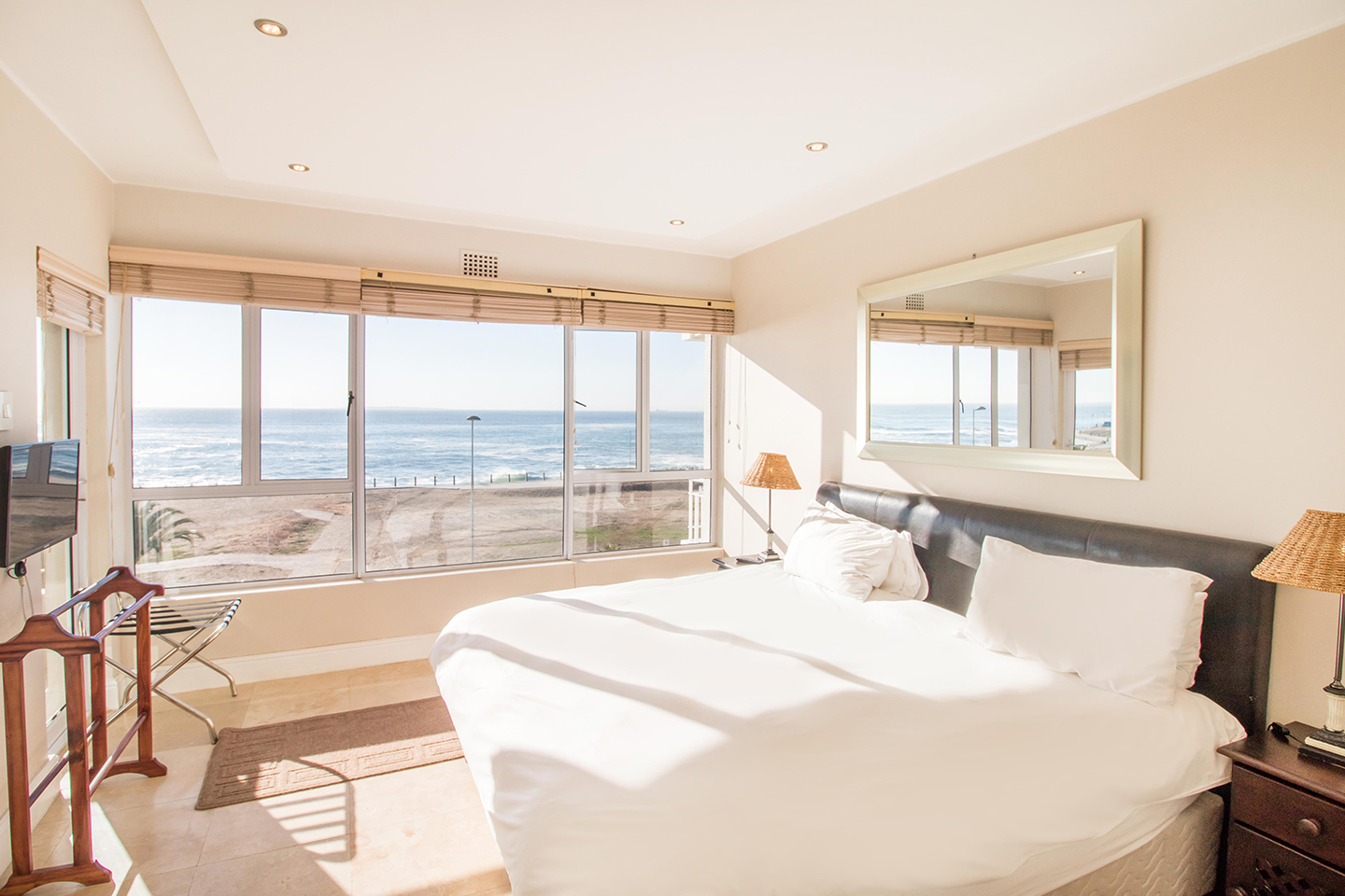 Sunlight at Mouille Point Village - Citybase Apartments
