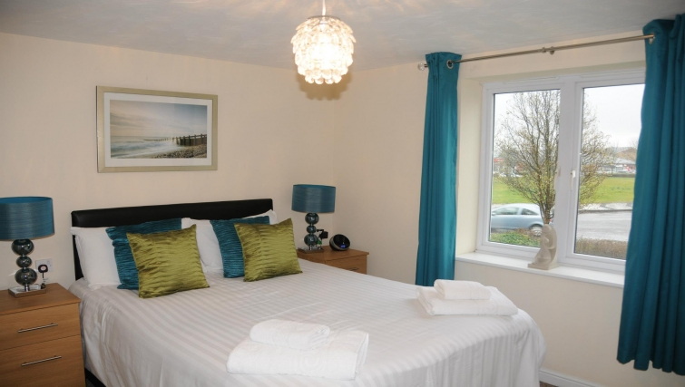 Comfortable bedroom in Orchard Gate Apartments - Citybase Apartments