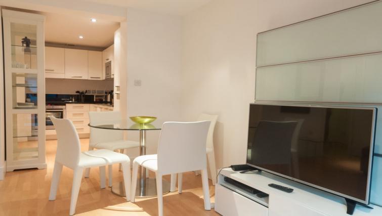 Kitchen at Clarendon Sir John Lyon House - Citybase Apartments