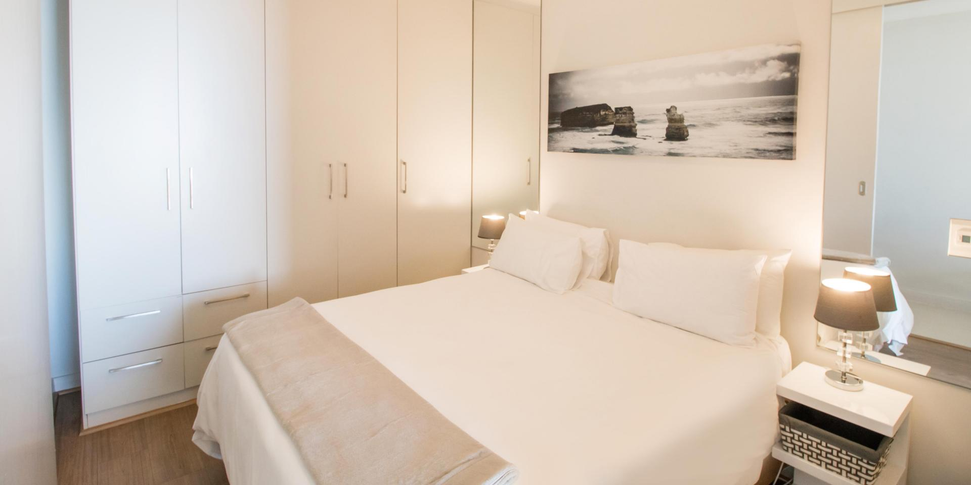 White sheets at The Crystal Apartments - Citybase Apartments