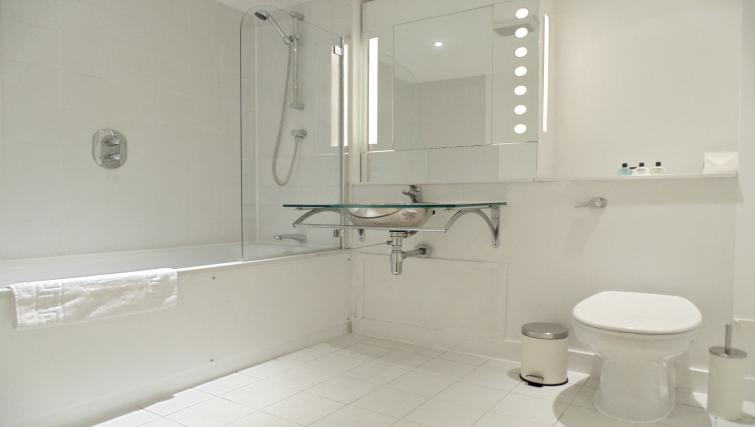 Bathroom at Still Life Farringdon Executive - Citybase Apartments