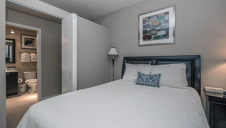 Bedroom at Randolph Tower Apartments - Citybase Apartments