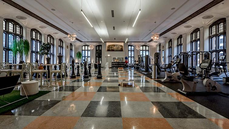 Fitness centre at Randolph Tower Apartments - Citybase Apartments