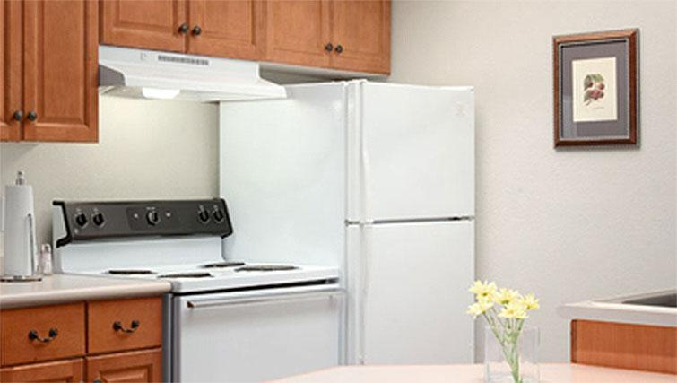 Equipped kitchen at Hyatt House Boston-Burlington - Citybase Apartments