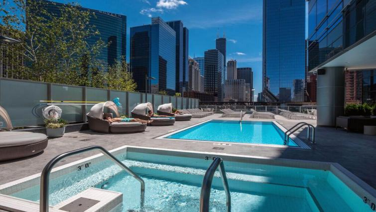 Pool at Wolf Point West Apartments - Citybase Apartments