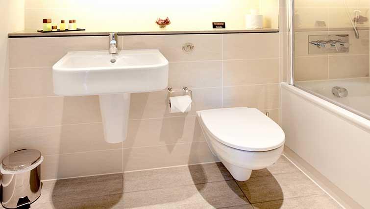 Bathtub at London City Apartments - Citybase Apartments
