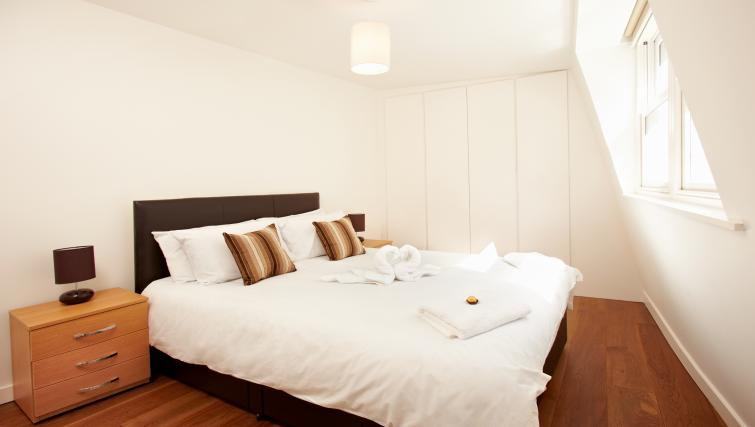 Double bed at London City Apartments - Citybase Apartments
