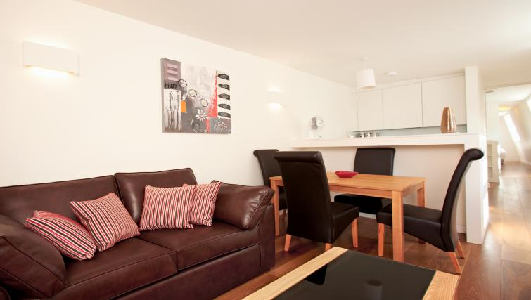 Living area at London City Apartments - Citybase Apartments