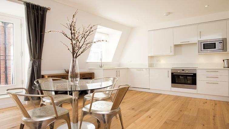 Kitchen at Lovat Lane Monument Apartments - Citybase Apartments