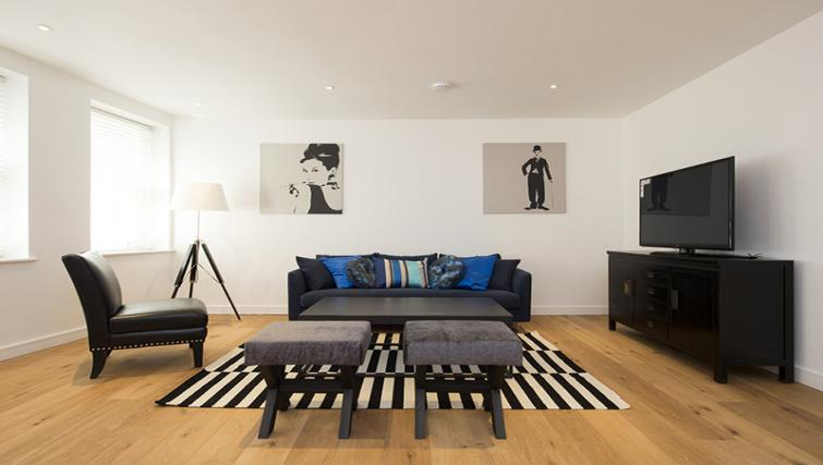Living space at Lovat Lane Monument Apartments - Citybase Apartments