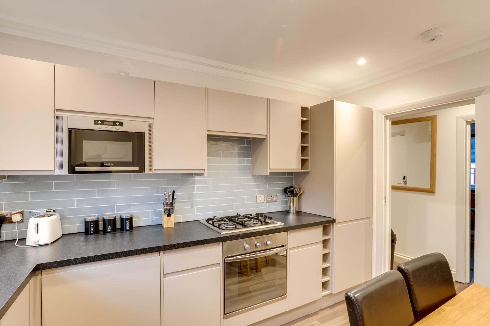 Microwave at London Victoria Apartments, Victoria, London - Citybase Apartments