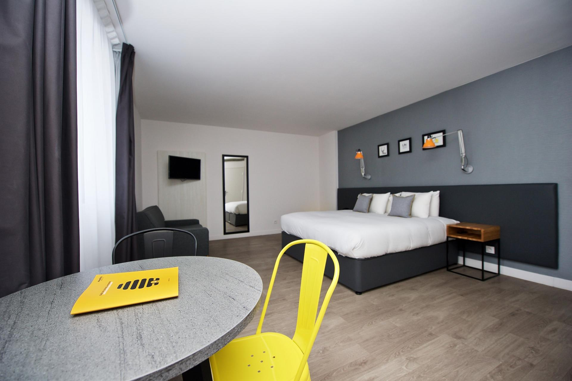 Bed at Staycity Centre Vieux Port - Citybase Apartments