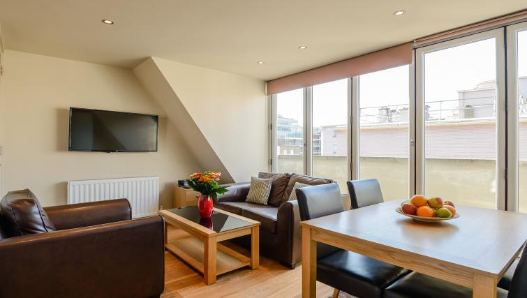 Bright living space at Flying Butler Holborn Apartments - Citybase Apartments