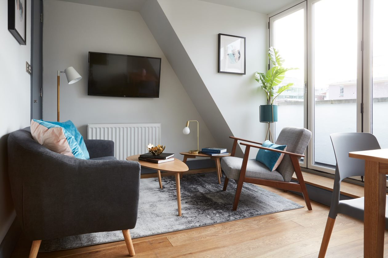 Living area at Flying Butler Holborn Apartments, Holborn, London - Citybase Apartments