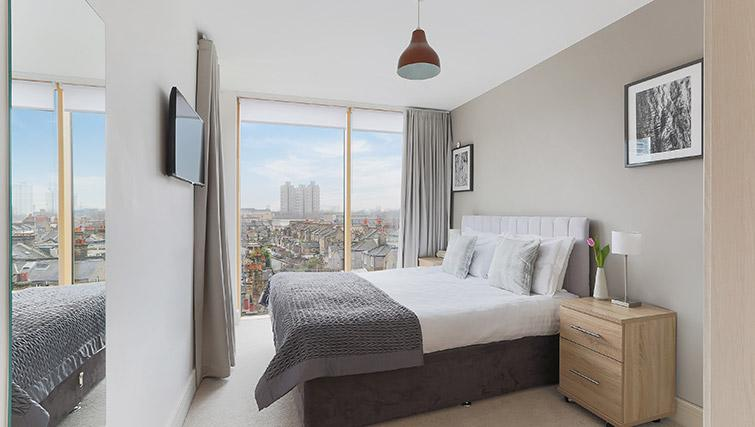 Master bedroom at Lambeth North by Q Apartments - Citybase Apartments