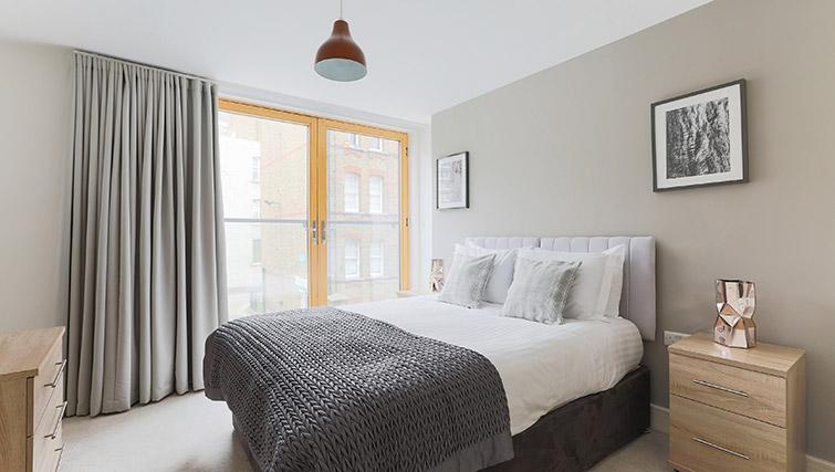 Bed at Lambeth North by Q Apartments - Citybase Apartments
