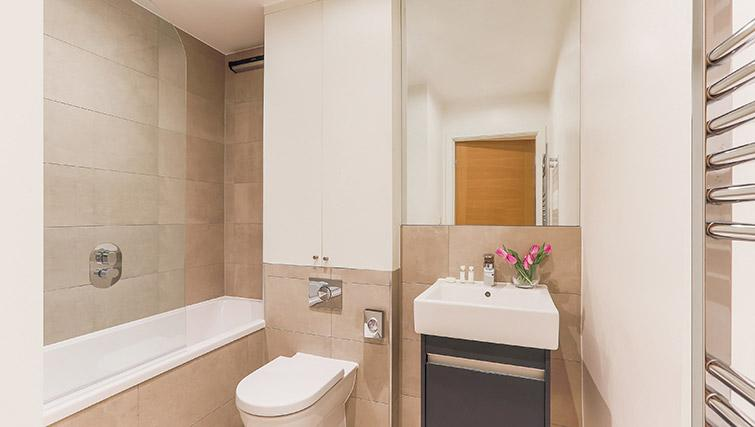 Full bathroom at Lambeth North by Q Apartments - Citybase Apartments