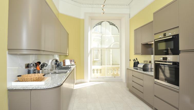 Kitchen at Elliot Terrace Apartments - Citybase Apartments
