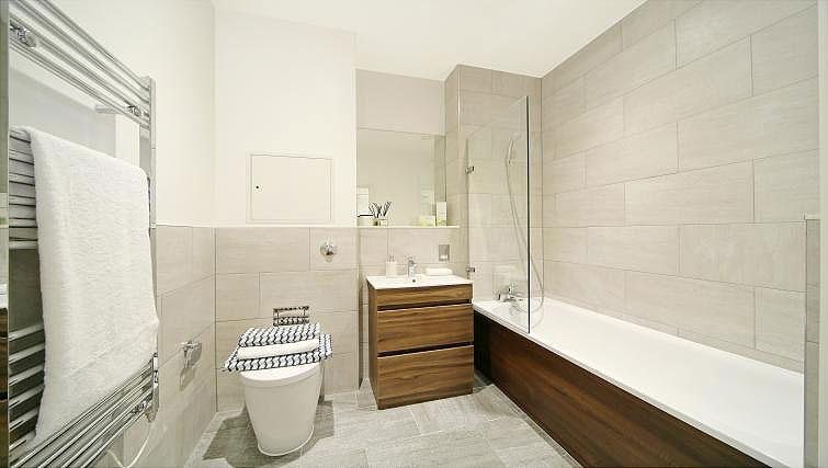 Bathroom at Harrow Apartments - Citybase Apartments