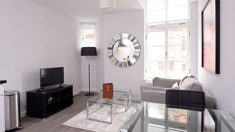 Living area at Glassford Residence - Citybase Apartments