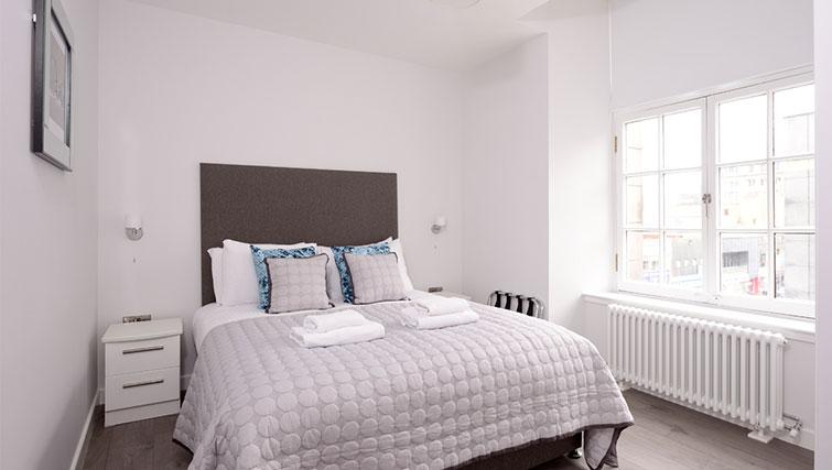 Bedroom at Glassford Residence - Citybase Apartments