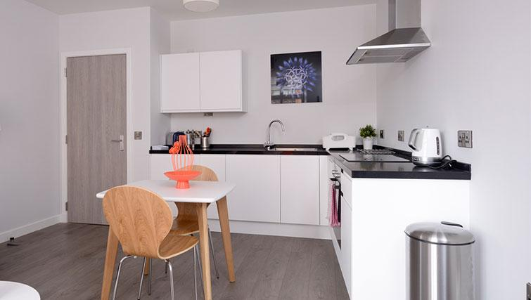 Equipped kitchen at Glassford Residence - Citybase Apartments