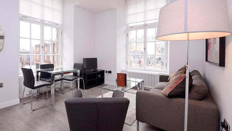 Living space at Glassford Residence - Citybase Apartments