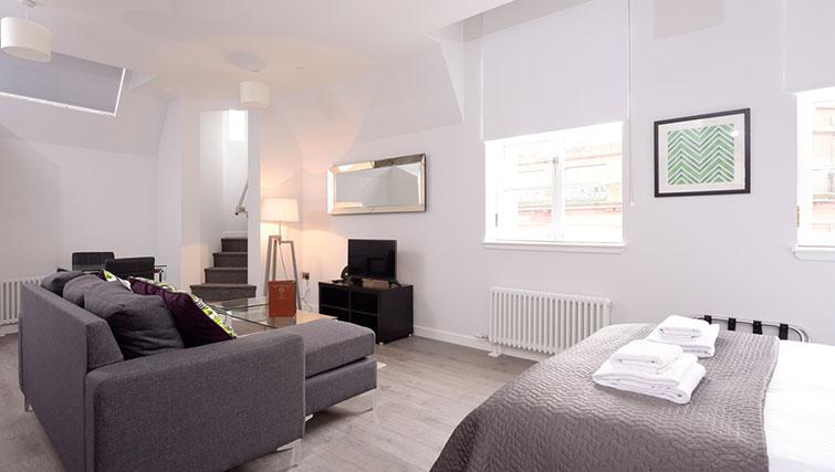 Studio at Glassford Residence - Citybase Apartments