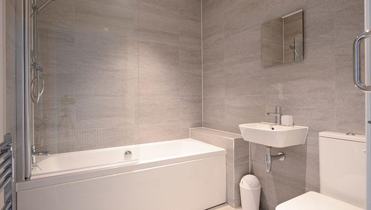 Bathroom at Glassford Residence - Citybase Apartments