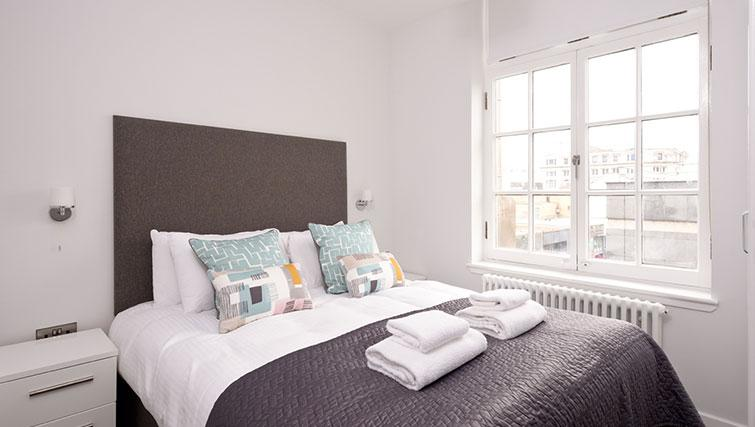 Second bedroom at Glassford Residence - Citybase Apartments